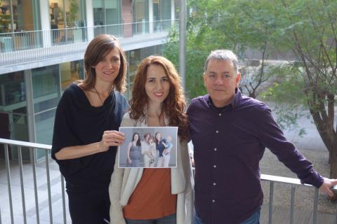 La Dra. Susanna Carmona (en el centro de la fotografía) con los coautores del artículo, Fotografía de El Mundo
